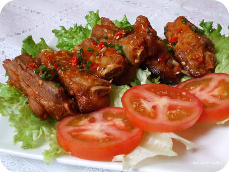 How to cook spicy grilled pork ribs